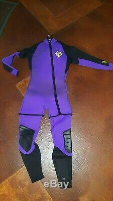 Dive Gear, Body Glove 2 Piece Wetsuit with Diving Hood, Scuba Fins, Gloves, Shoes