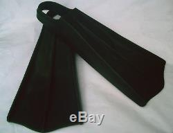 VINTAGE Black Pure Rubber The Spearfisherman Scuba Diving Duck Feet Fin Flippers